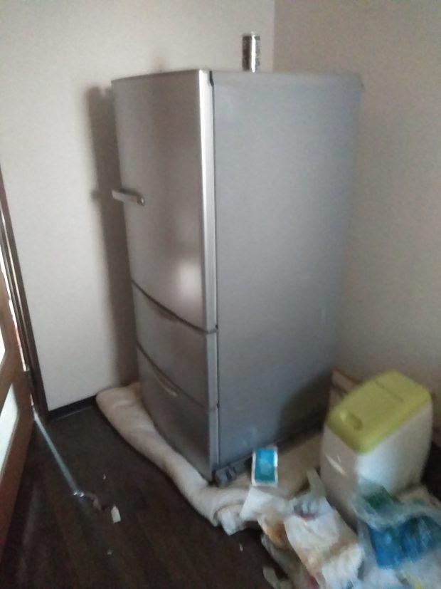 冷蔵庫のご処分を検討しているお客様からお問い合わせのお電話をいただき、概算の金額をお伝えいたしました。